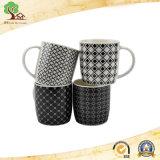 Tazza di ceramica controllata in bianco e nero appena nata all'ingrosso della Cina con stampa completa con la maniglia