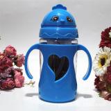 わらが付いている子供の子供の飲むコップのびんのためのかわいいプラスチック水差し