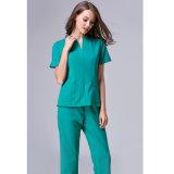 A V-Garganta da fábrica médica esfrega com cores diferentes do algodão