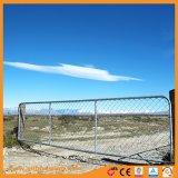 12フィート私はオーストラリアに電流を通された農場のゲートをとどまる