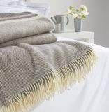 Сплетенный шевронный Merino ход одеяла шерстей