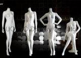 Manequins femininos sem cabeça para o vestido