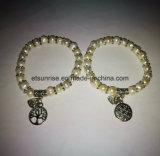 Braccialetto in rilievo della perla di cristallo naturale della pietra semi preziosa