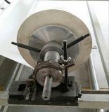 Il doppio gradua il PVC o la riga secondo la misura di laminazione di carta