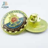 Pin duro feito sob encomenda do Lapel da venda por atacado do ouro do esmalte dos produtos quentes para Veitnam