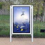 LED en verre trempé Publicité de plein air le défilement Boîte à lumière