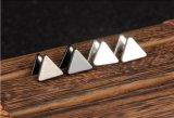 Вспомогательное оборудование ювелирных изделий серег стержня треугольника двойника альбома мальчиков Kpop Bts Bangtan корейское для людей и серег женщин