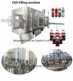 От a к z завершают напиток безалкогольного напитка Carbonated обрабатывая разливая по бутылкам производственную линию