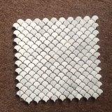 Mosaico de mármol de piedra blanco de la pared del suelo de azulejo de la dimensión de una variable del ventilador de Bianco Carrara