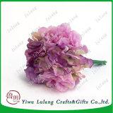 結婚式の装飾は絹のアジサイの人工花の球を維持した