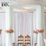 Портативная труба и задрапировывает для украшения фона венчания