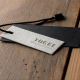Etiqueta de papel roupa Hangtag Swing, chapa de ouro Hang Tag, China Hangtag Wholeshale fábrica de vestuário