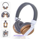 Plegable Exterior Precios baratos para auriculares estéreo Bluetooth radio FM con la tarjeta del TF Cable cargador USB