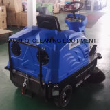 Industrielles Reinigungs-Gerät für schmale Straßen-kleine Kehrmaschine-Maschinen-Fahrt auf Kehrmaschine