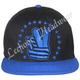 3D刺繍の方法スポーツの平らなバイザーの帽子の帽子