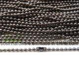 La moda de la cadena de bolas de color metalizado con acoplamientos