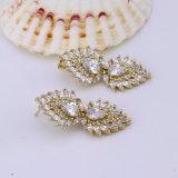 환경 18K 24K 금에 의하여 도금되는 지르코니아 보석 형식 귀걸이