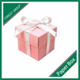Boîte-cadeau de Noël de papier ondulé de couleur rouge