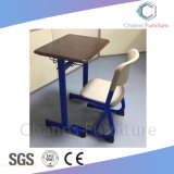 Populärer MDF-Kind-Tisch-Kursteilnehmer-Schreibtisch mit Metallfach (CAS-SD1810)