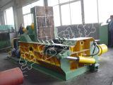 機械をリサイクルする油圧スクラップのアルミ合金の鋼鉄金属の梱包機