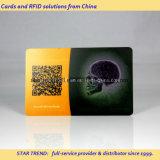 Cartão de PVC transparente Quatro impressões em cores com gravação em relevo Não