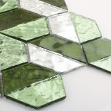 El cuarto de baño verde y blanco del diseño italiano embaldosa el mosaico del vidrio cristalino