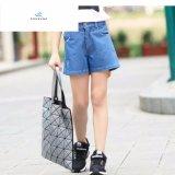 Shorts Largo-Forniti di gambe comodi del denim di vendita calda per le ragazze dai jeans della mosca