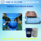 액체 실리콘고무, 백금 및 응축에 의하여 치료되는 실리콘을 주조하는 타이어