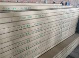 Galvanisierter Stahlprofil galvanisierter Metallstift und Spuren/galvanisierte Metallspur