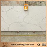Pedra de mármore artificial projetada branca de quartzo de Calacatta para a bancada