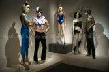 Реалистический манекен для индикации платья