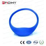 U codieren Gen2 blauen RFID SilikonWristband in der Uhr-Form