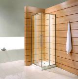 Recinto enmarcado esquina de la ducha con los dos paneles de la puerta deslizante