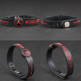 La firma di NBA mette in mostra i braccialetti degli uomini delle donne del silicone