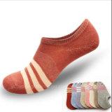 Weibliche Socks/Ms Baumwollniedrige Gefäß-Socken/Geliebt-Form-Heimlichkeit-Lieferungs-Socken