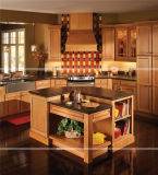 Armários de cozinha clássicos padrão americanos da madeira contínua