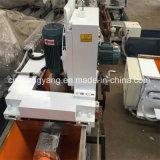 Le meulage des couteaux de la machine pour la production de contreplaqués