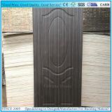 Sapeliのベニヤが付いている型の純木のドアのパネルかドアの皮