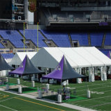 Grandes barracas ao ar livre curvadas do evento para a finalidade dos esportes