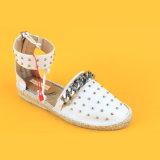 Scarpe di tela piane bianche dei sandali di Ankel Strape Studed delle donne