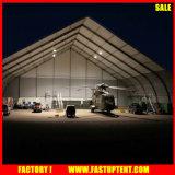 L'aluminium PVC événement extérieur en tissu de grandes tentes de sports avec forme incurvée 30m par 35m