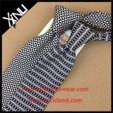La coutume fabriquée à la main a estampé la cravate maigre en soie de 100%
