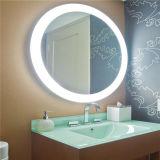 Grande DEL allumant le miroir éclairé à contre-jour électrique de salle de bains d'hôtel pour nous