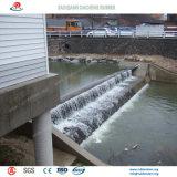 Widly usou a represa de borracha inflável da água como a paisagem na cidade