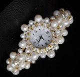 Il braccialetto della perla guarda le vigilanze ad alto livello del diamante del regalo di festa per le signore