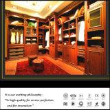 Klassische L-förmige festes Holz-Walk-in Wandschrank-hölzerne Schlafzimmer-Garderobe