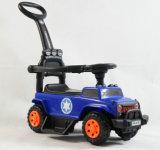 Baby-Fahrt auf Auto-Spielzeug mit Stoss-Stab