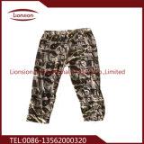 Le pantalon utilisé a utilisé le vêtement exporté vers l'Afrique, Asie du Sud-Est