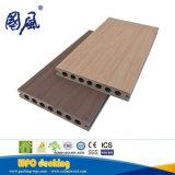 共押出し屋外のDeckingの木製のプラスチック合成のフロアーリング