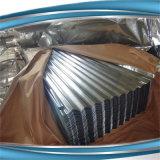 Гофрированные оцинкованные стальные листы на крыше и штучных кровельных материалов
